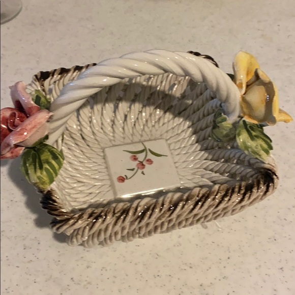 Italy basket with flowers on ends